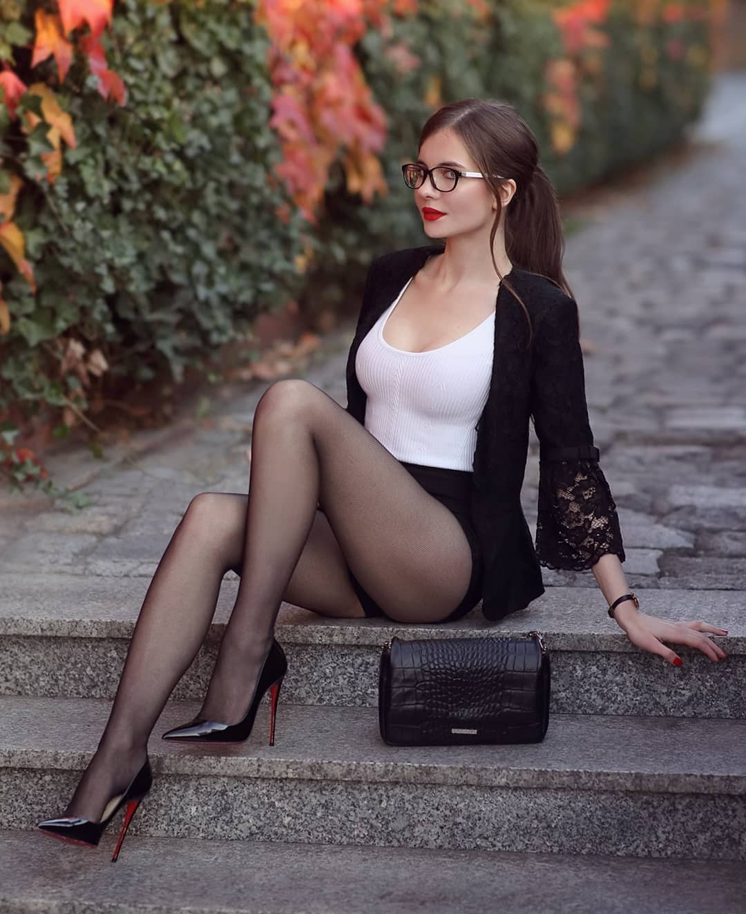 Hot Girls Like High Heels (48 Photos)