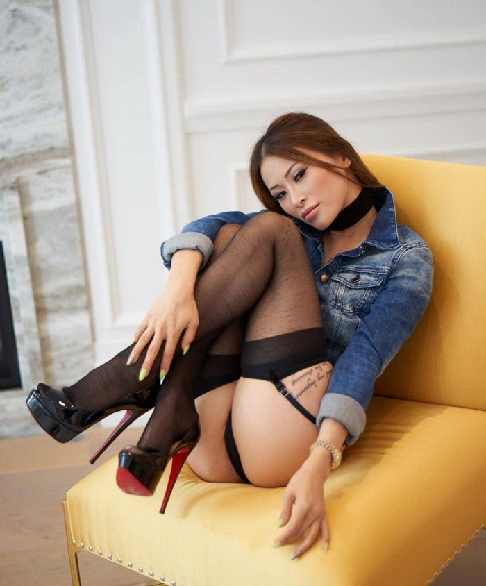 Hot Girls Like High Heels (50 Photos)
