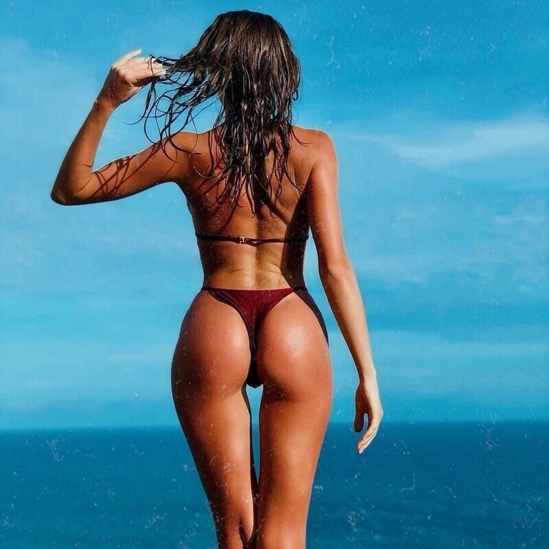Hot Girls With Sexy Butts (75 Photos)