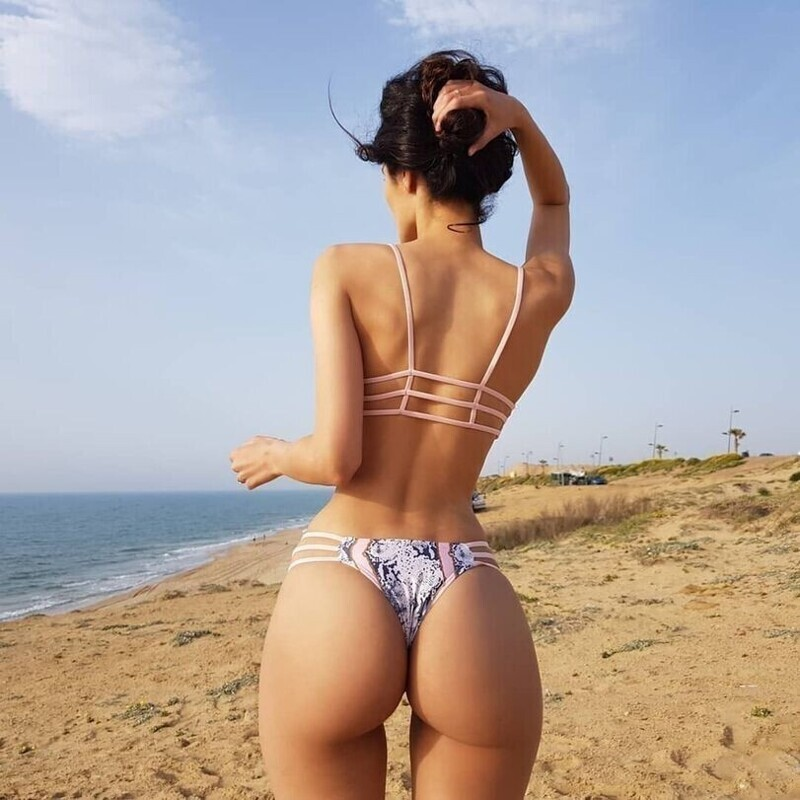 Hot Girls With Sexy Butts (55 Photos)