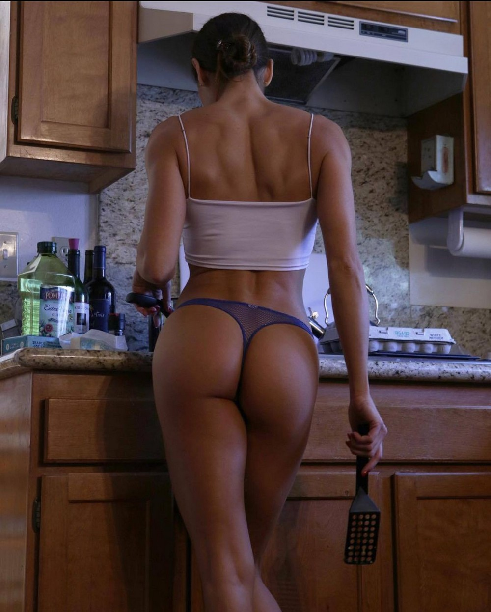 Hot Girls With Sexy Butts (60 Photos + 5 GIFs)