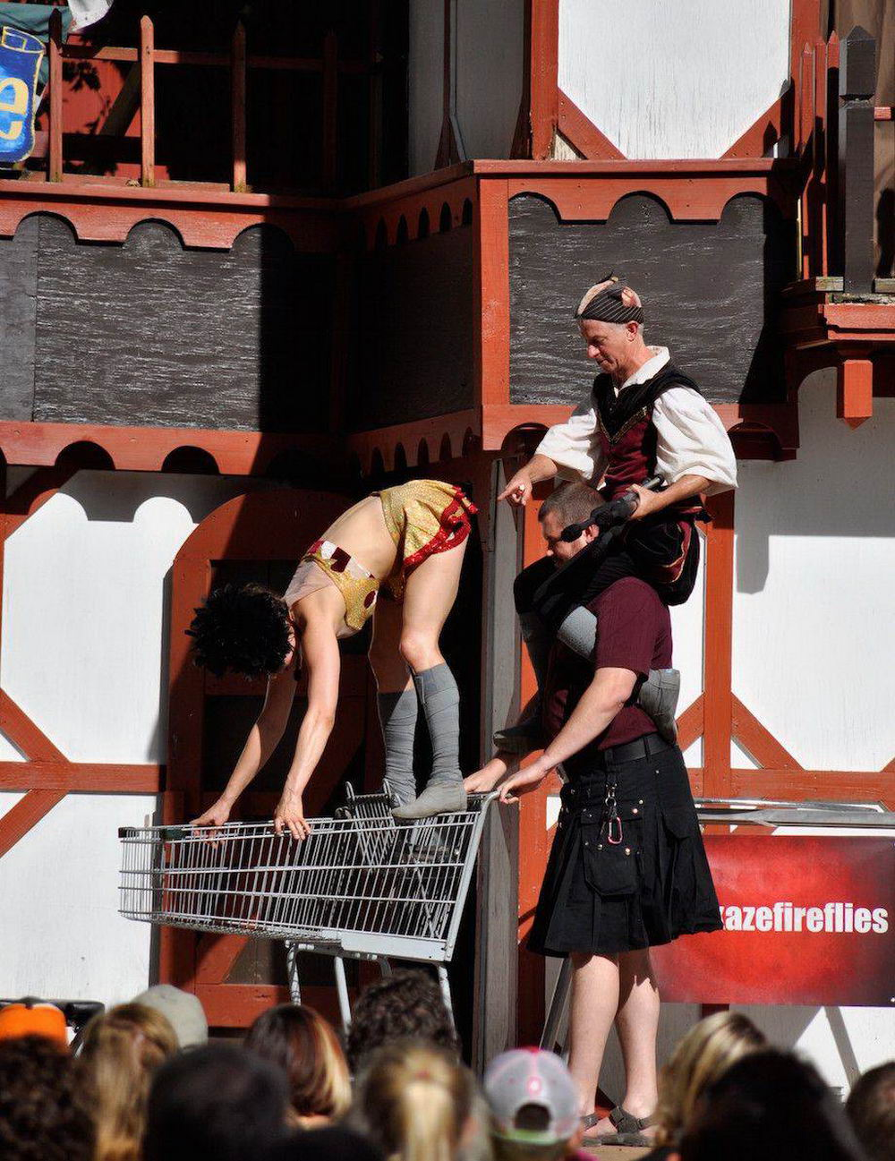 Most Embarrassing Moments Caught On Camera (39 Photos)