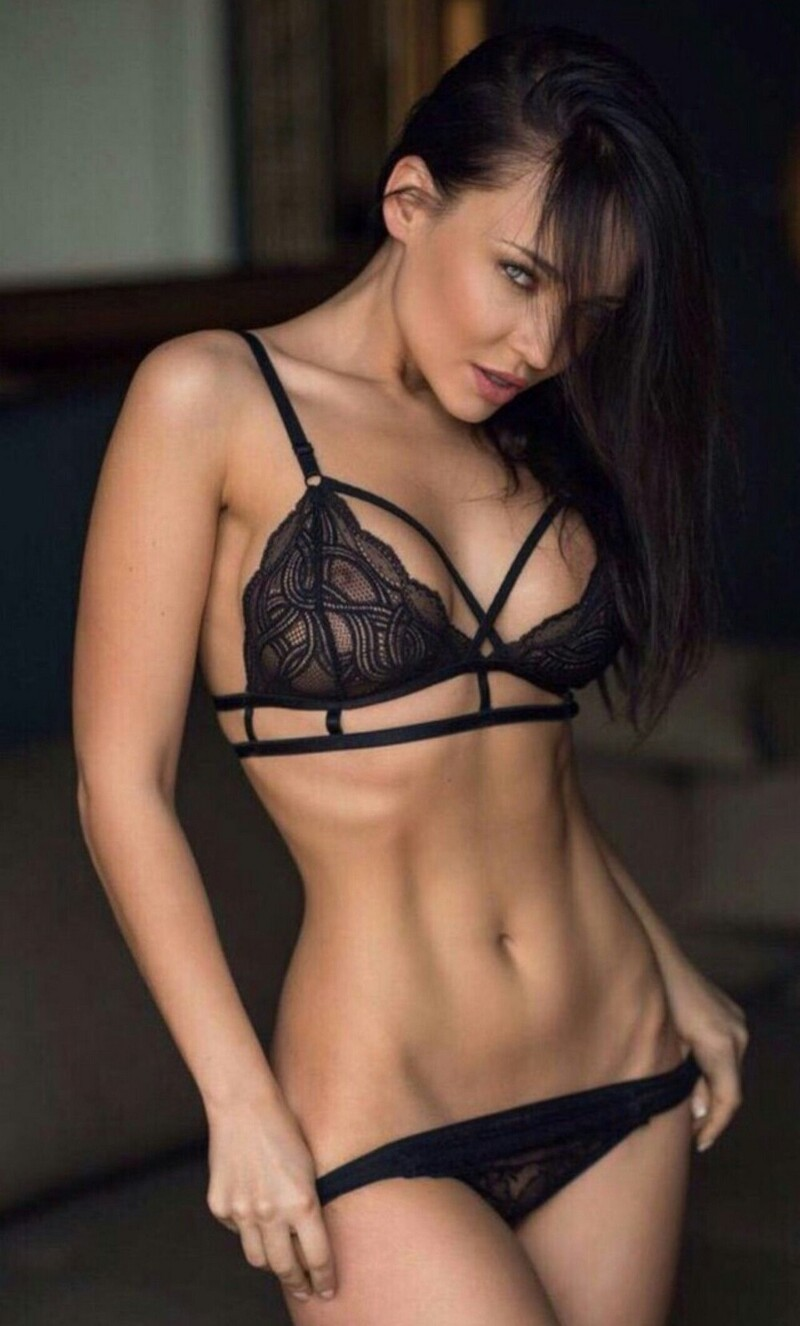 Hot Girls In Sexy Lingerie (66 Photos + 5 GIFs)