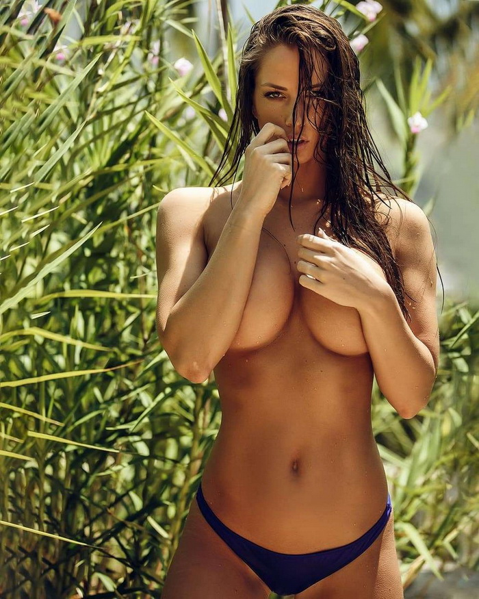 Hot Girls Like To Look So Sexy (101 Photos)
