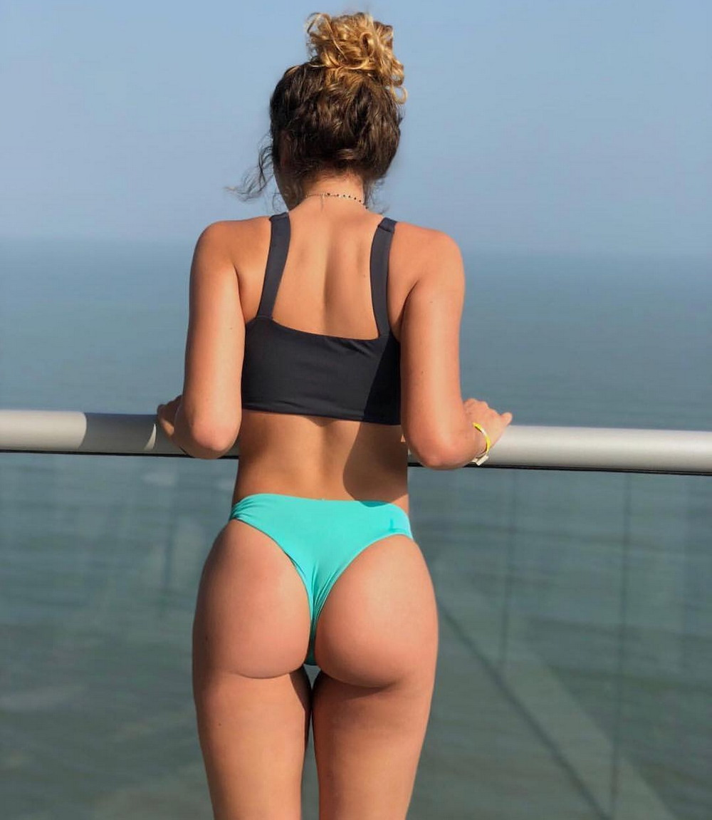 Hot Girls Like To Look So Sexy (90 Photos)
