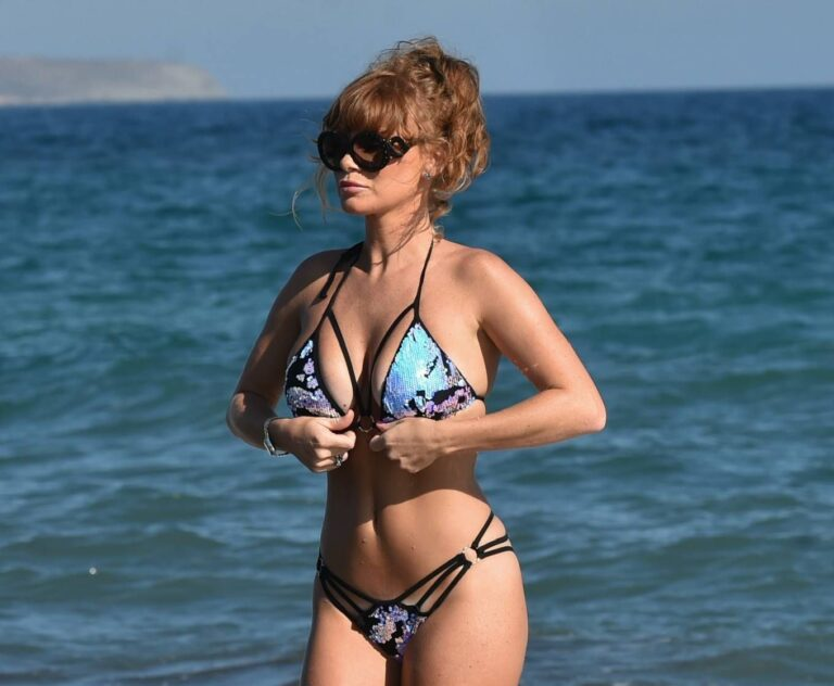 Summer Monteys-Fullam Bikini Photos In Tenerife