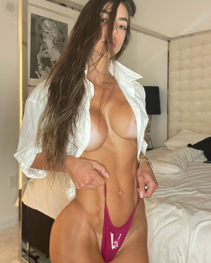 Fit Model Anllela Sagra Hot And Sexy Pictures (25 Photos)