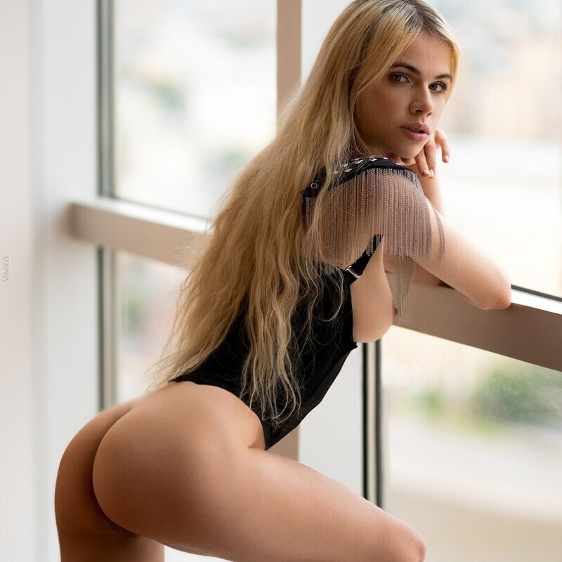 Hot Girls With Sexy Butts (91 Photos)