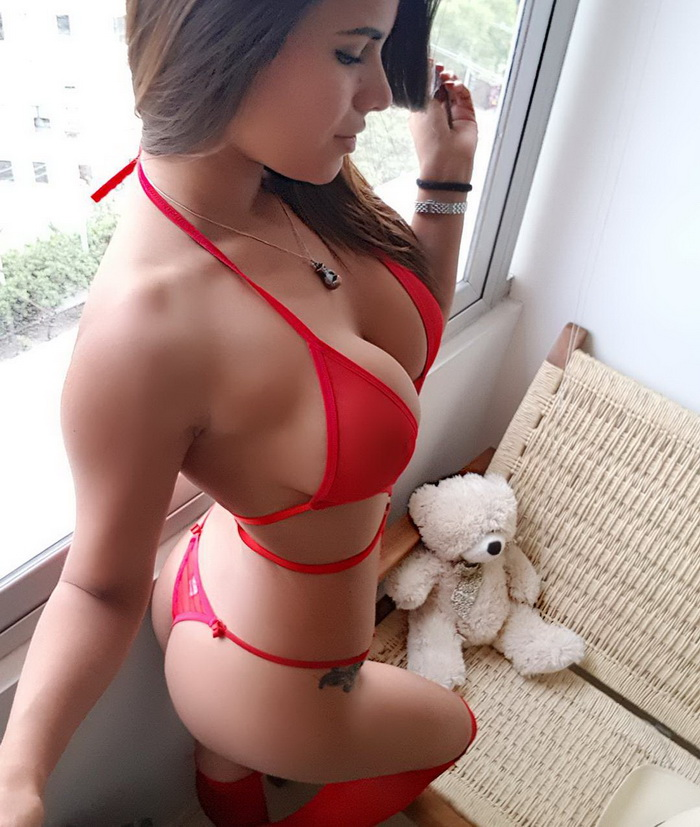 Sexy Girls In Red Lingerie (50 Photos)