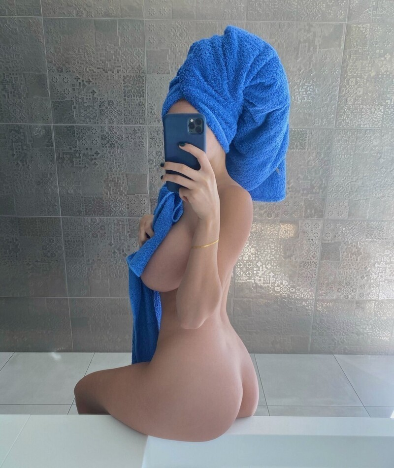 Pretty Hot Girls In Towels (35 Photos + 5 GIFs)