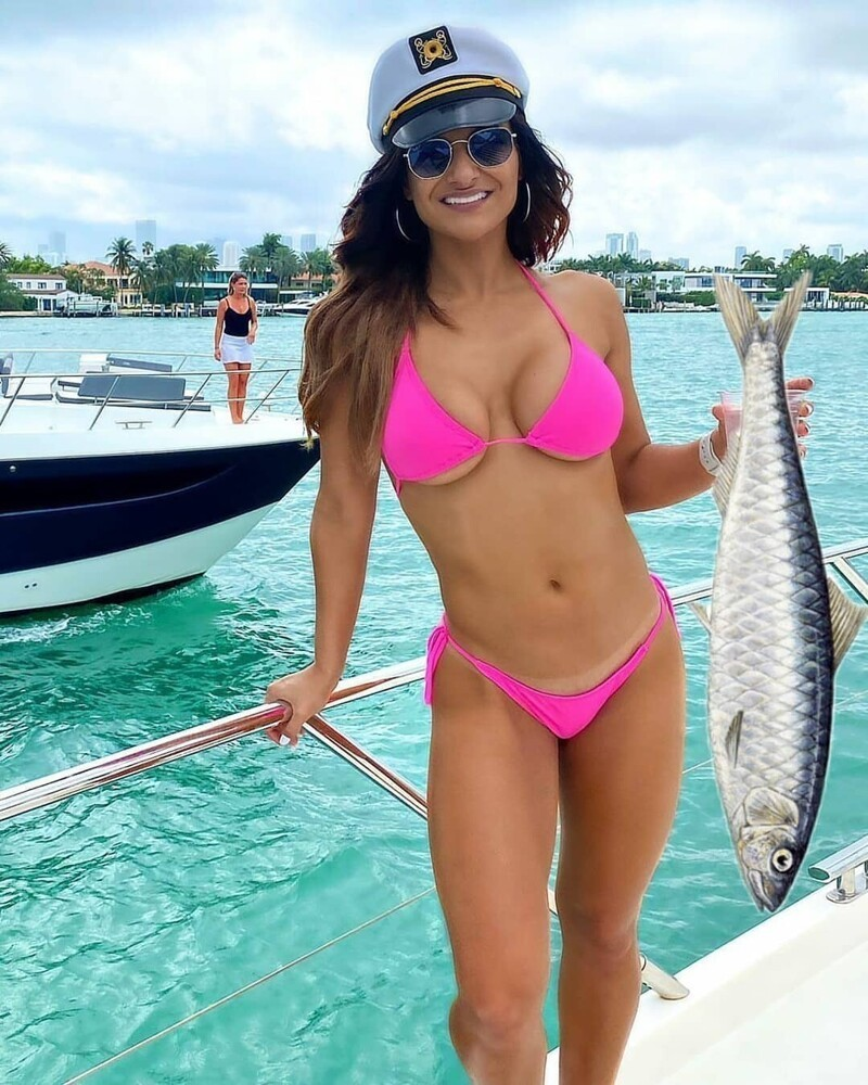 These Cute Girls Like To Fish (33 Photos)