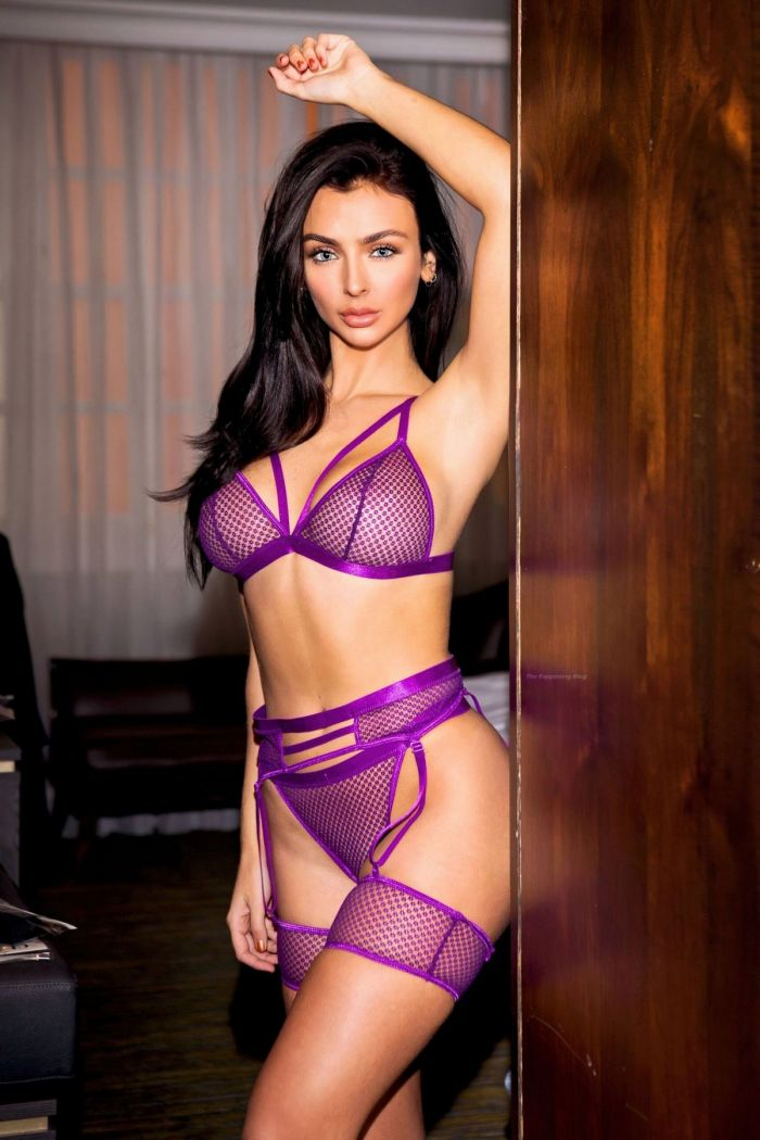 Hot Kady McDermott Poses In Sexy Lingerie (22 Photos)