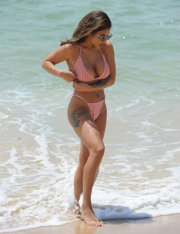 Kayleigh Morris Hot Bikini On The Beach (19 Photos)