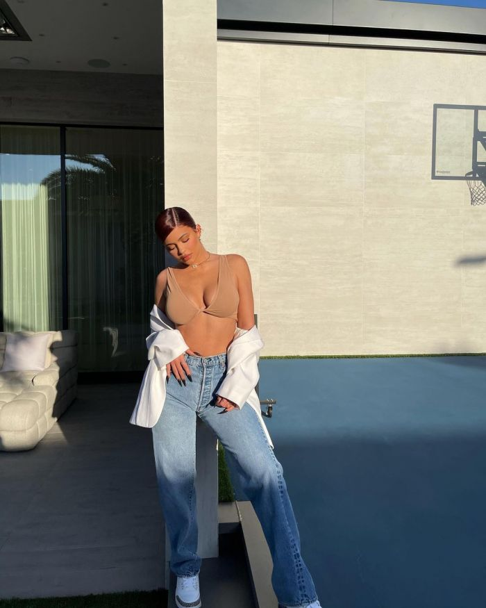 Kylie Jenner Hot Instagram Pictures (24 Photos)