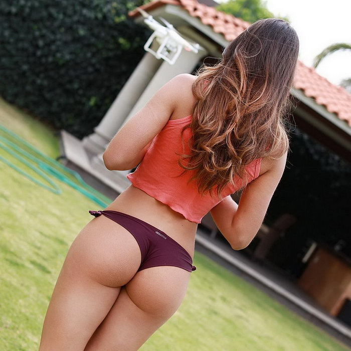 Hot Girls With Sexy Butts (38 Photos)