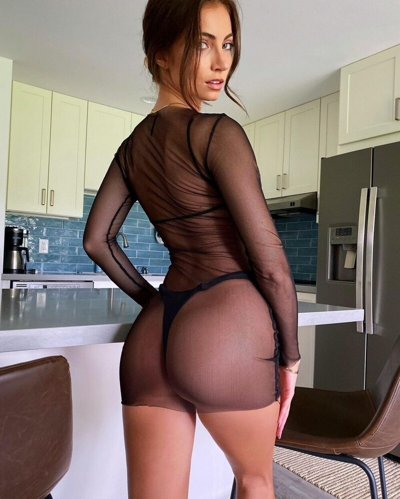 Hot Girls With Sexy Butts (89 Photos + 5 GIFs)