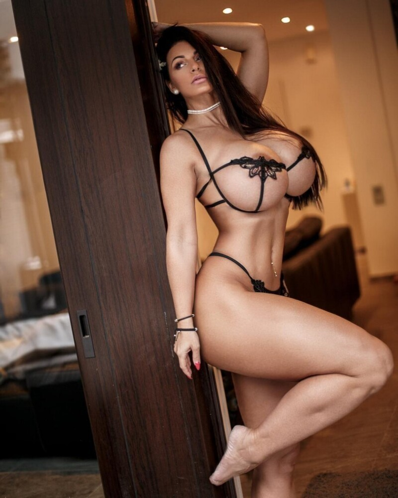 Hot Girls In Sexy Lingerie (40 Photos)
