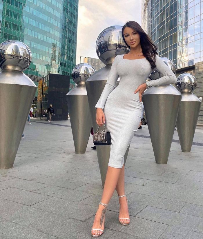 Hot Girls In Tight Dresses (41 Photos)