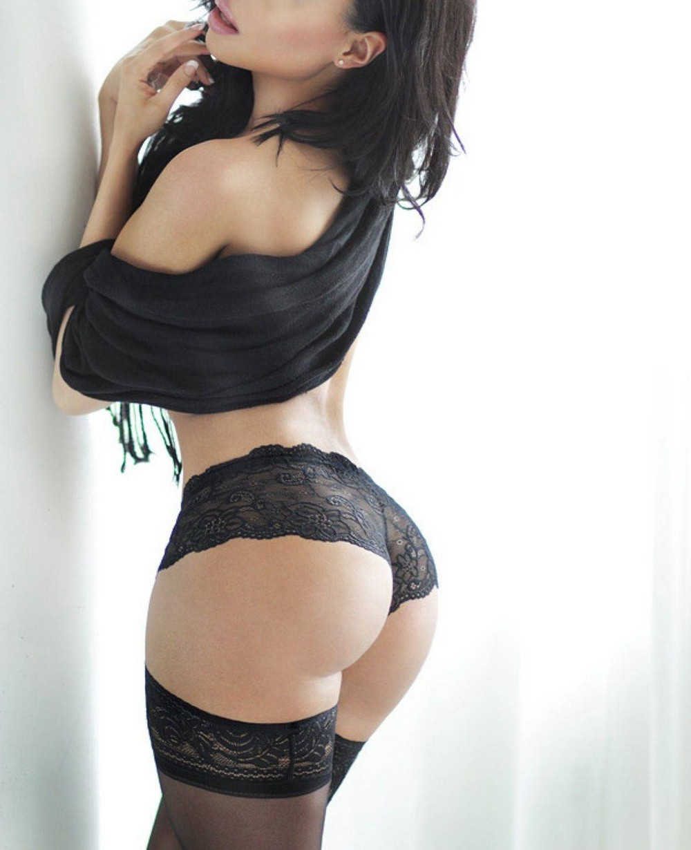 Hot Girls Like To Look So Sexy (56 Photos)