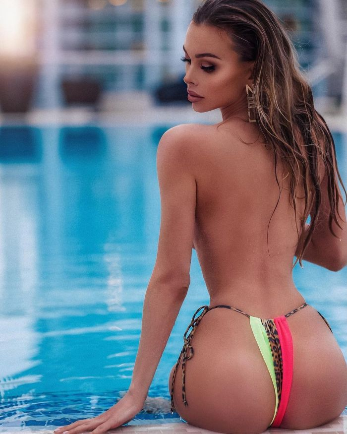 Lily Ermak Hottest Instagram Pictures (25 Photos)