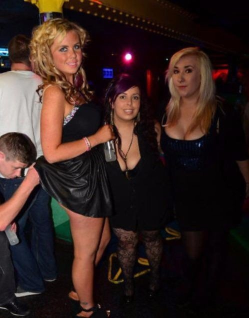 Most Embarrassing Moments Caught On Camera (29 Photos)