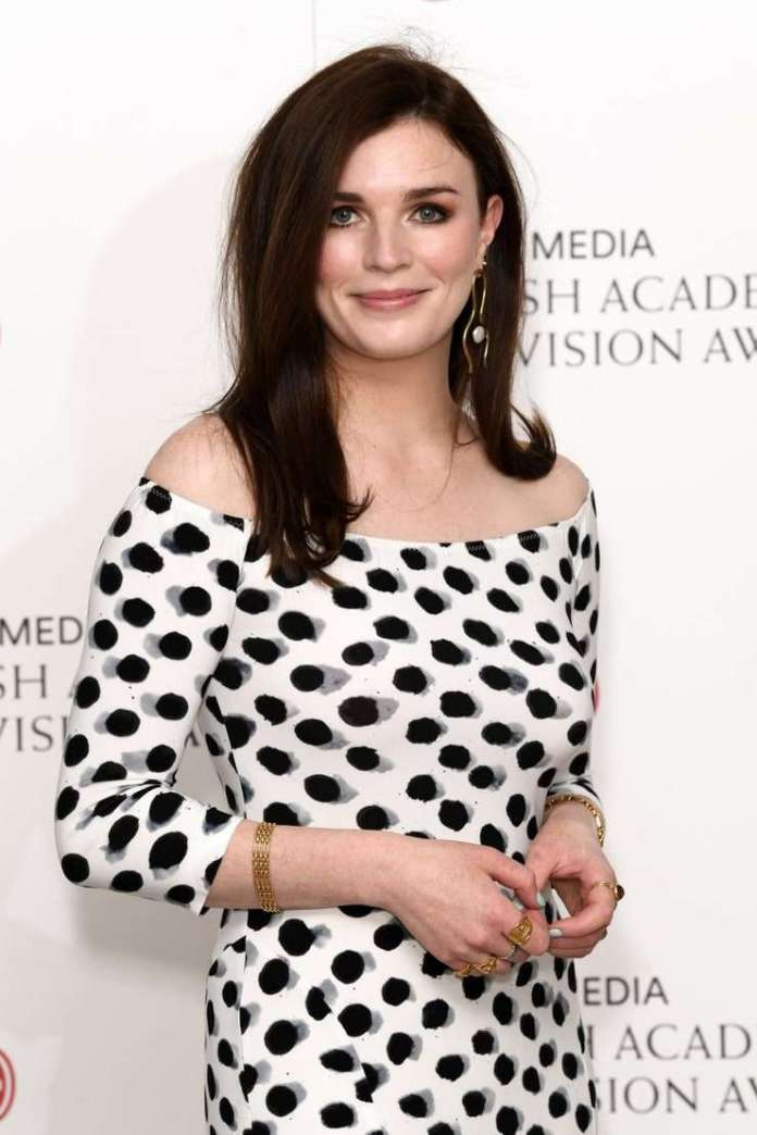 Aisling Bea Sexiest Pictures (41 Photos)