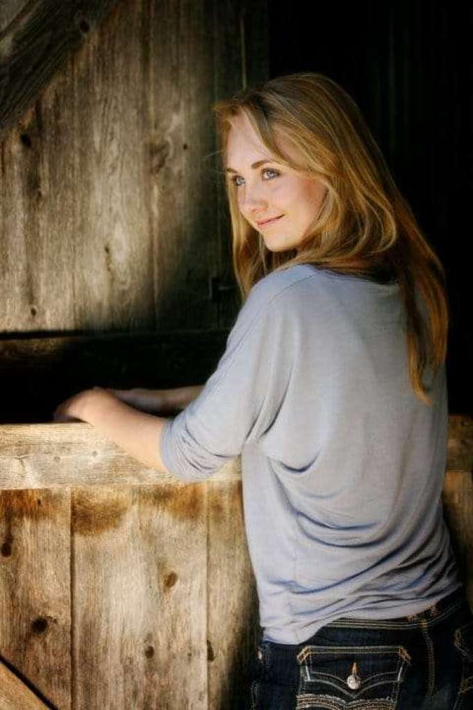 Amber Marshall Hottest Pictures (32 Photos)