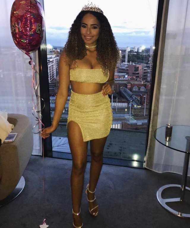 Amber Rose Gill Hottest Pictures (40 Photos)
