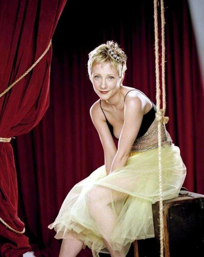 Anne Heche Hottest Pictures (41 Photos)