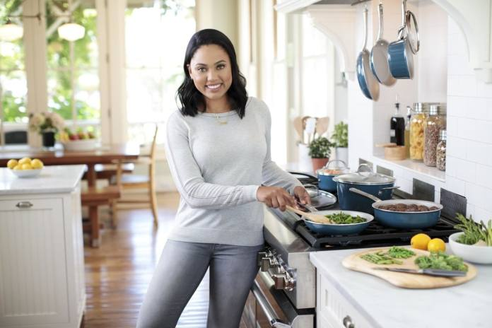 Ayesha Alexander Curry Sexiest Pictures (39 Photos)