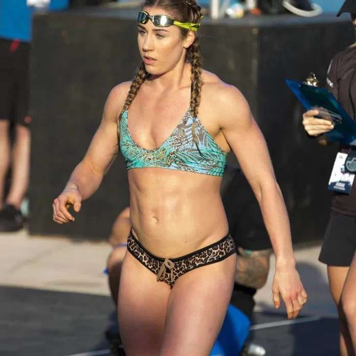 Brooke Wells Hottest Pictures (41 Photos)