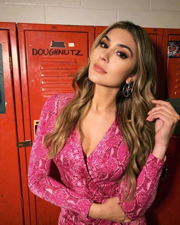Cathy Kelley Hottest Pictures (41 Photos)