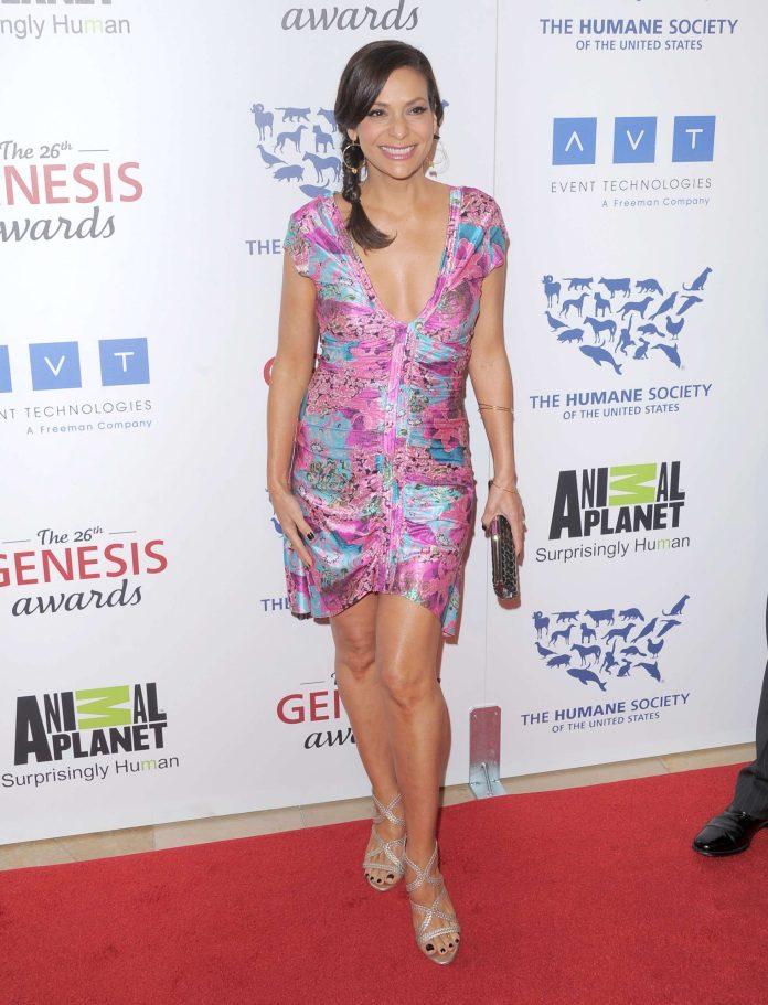 Constance Marie Sexiest Pictures (41 Photos)