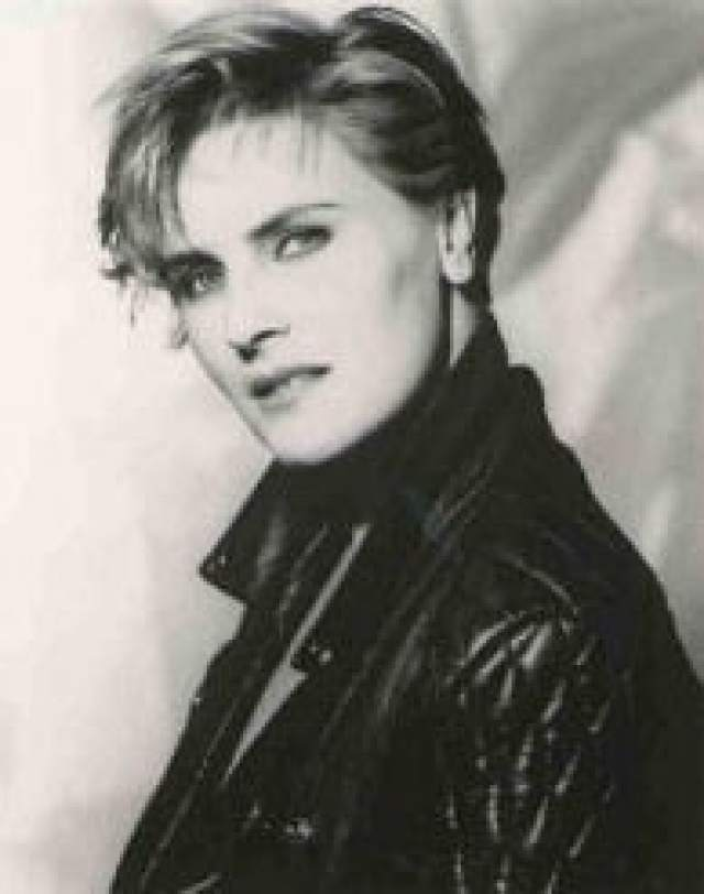 Denise Crosby Sexiest Pictures (27 Photos)