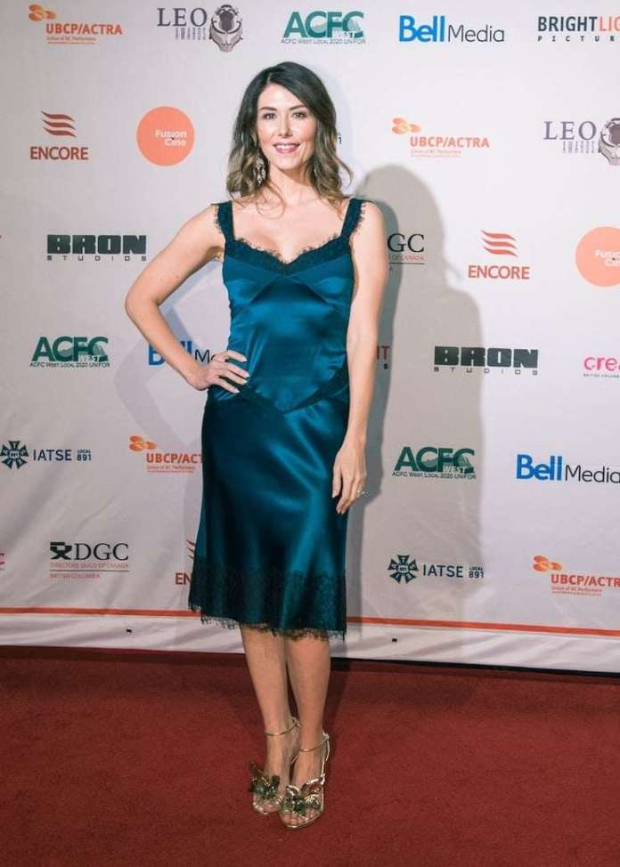 Jewel Staite Hottest Pictures (41 Photos)