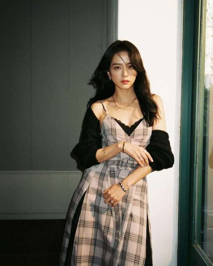 Jisoo Hottest Pictures (41 Photos)