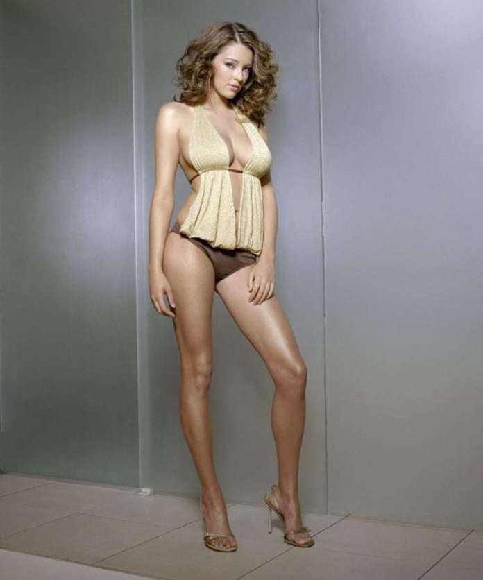 Keeley Hazell Sexiest Pictures (41 Photos)