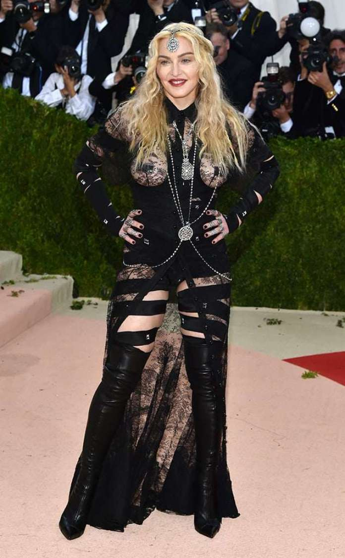 Madonna Sexiest Pictures (41 Photos)