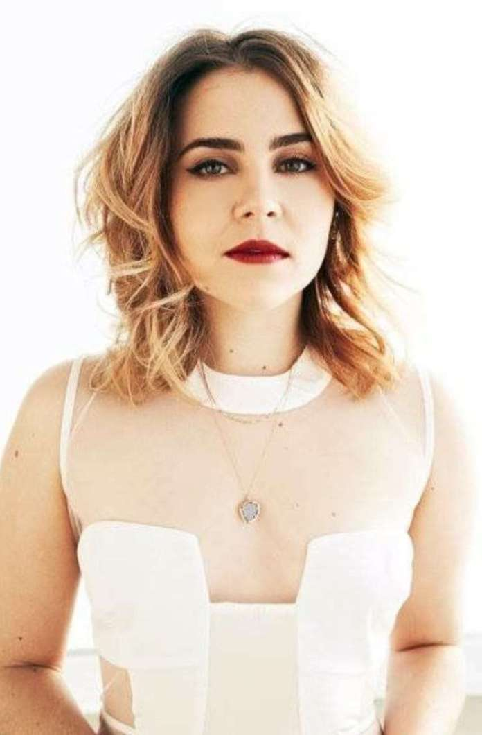 Mae Whitman Hottest Pictures (41 Photos)