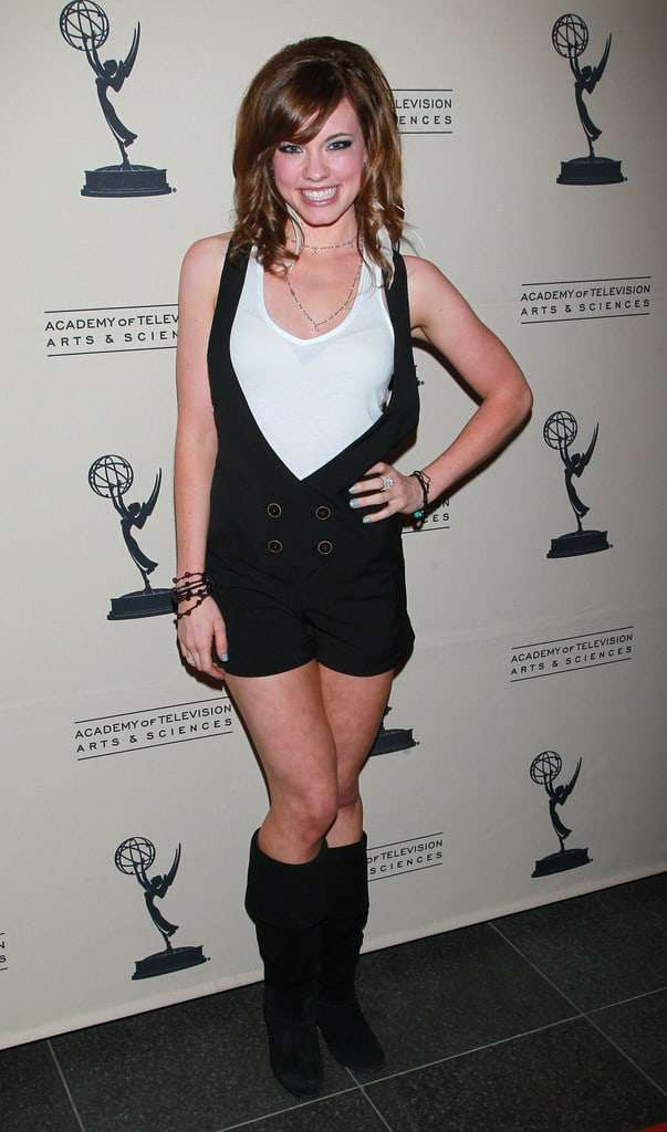 Molly Burnett Hottest Pictures (41 Photos)