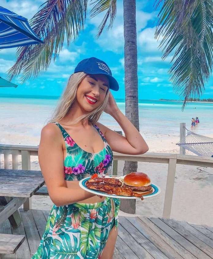 Noelle Foley Sexiest Pictures (39 Photos)