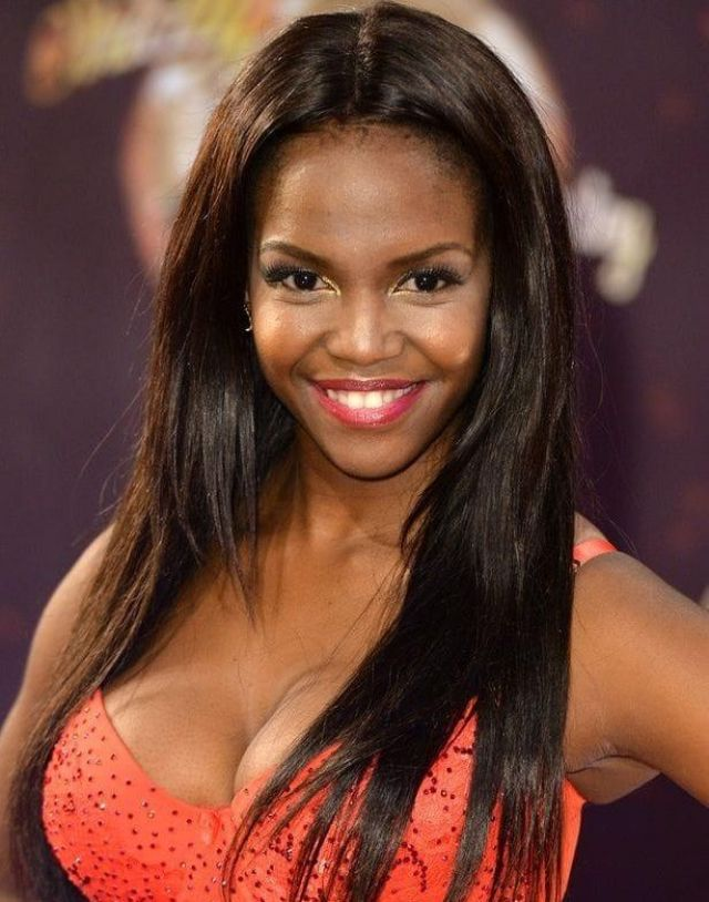 Oti Mabuse Sexiest Pictures (39 Photos)
