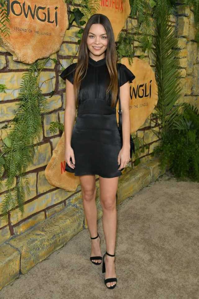 Scarlett Byrne Sexiest Pictures (37 Photos)