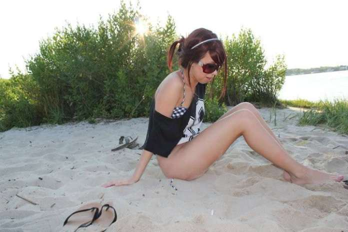 ShoeOnHead Hottest Pictures (32 Photos)