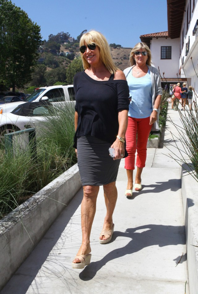 Suzanne Somers Sexiest Pictures (39 Photos)