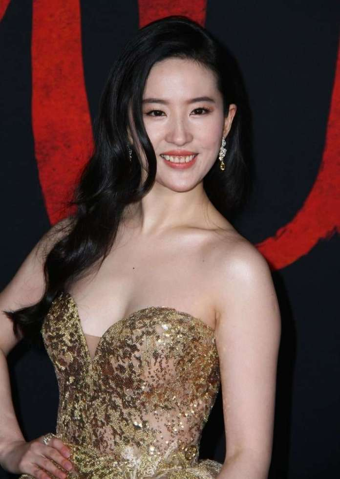 Yifei Liu Hottest Pictures (41 Photos)
