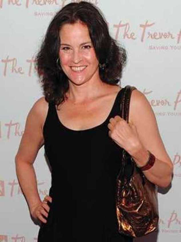 Ally Sheedy Hottest Pictures (40 Photos)