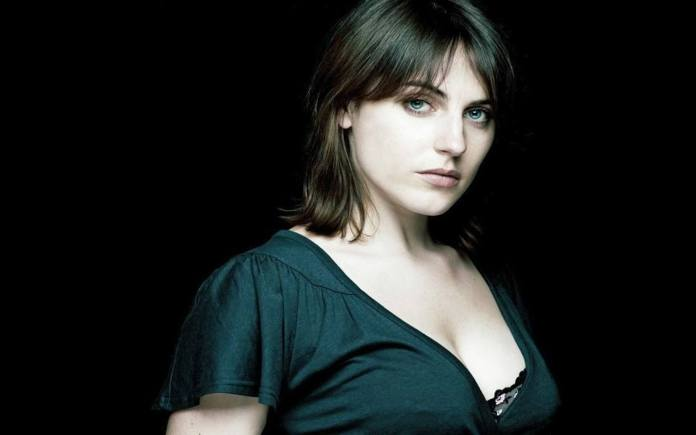Antje Traue Hottest Pictures (41 Photos)