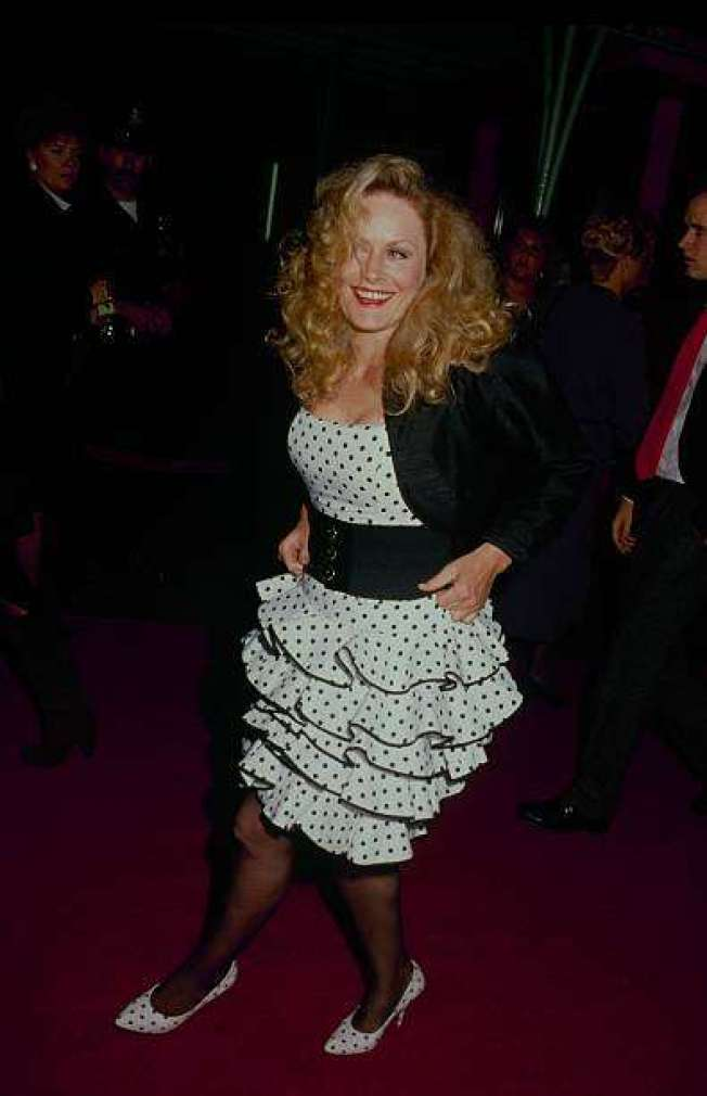 Beverly D'Angelo Hottest Pictures (39 Photos)