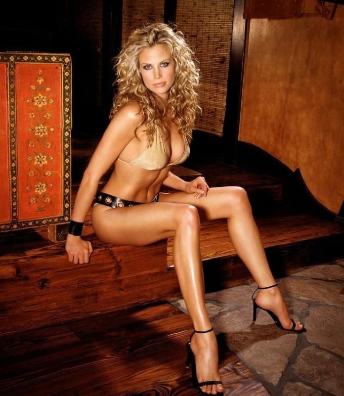 Brooke Burns Sexiest Pictures (41 Photos)